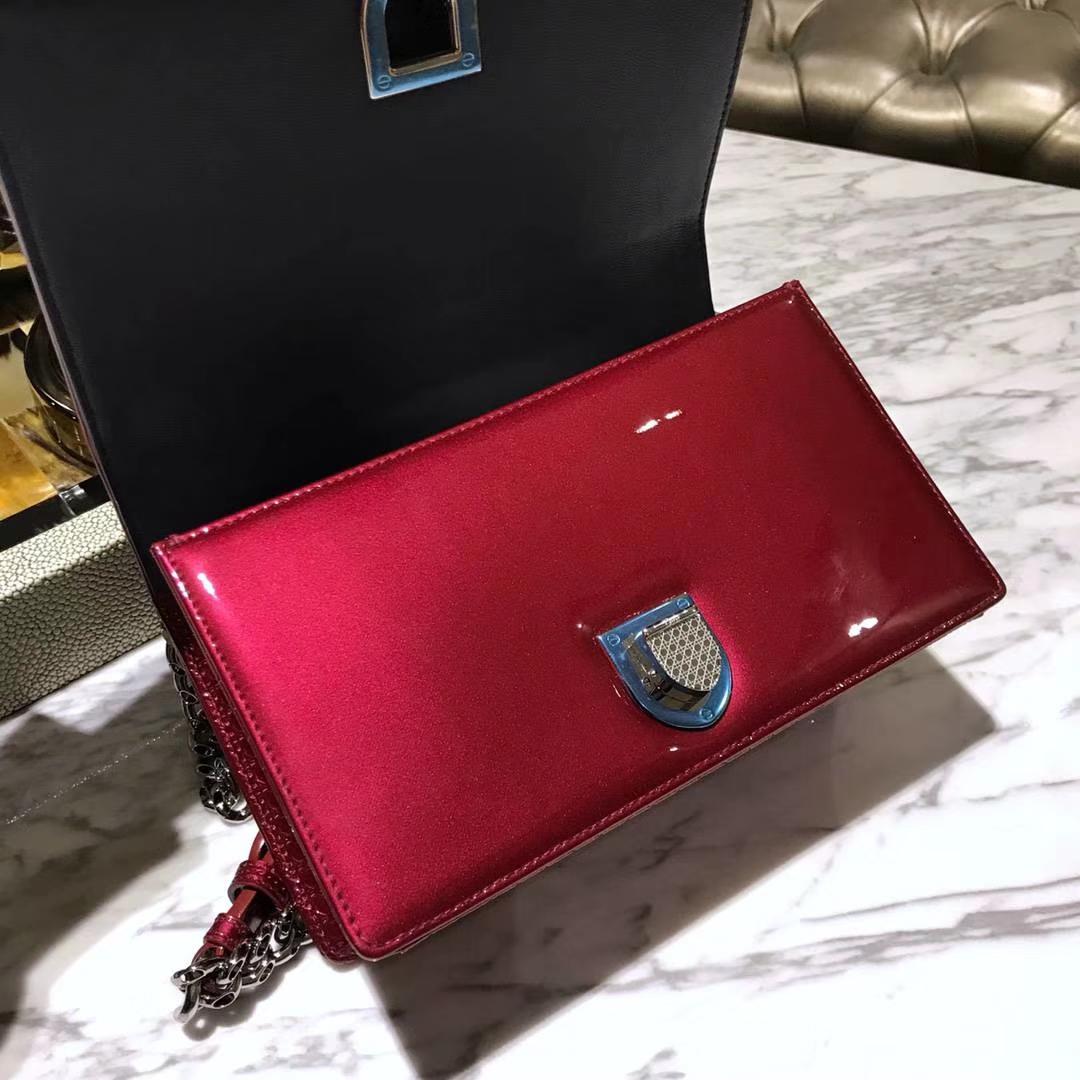 Dior 腾格纹 牛皮漆面 21cm 主打红色单肩包 翻盖包