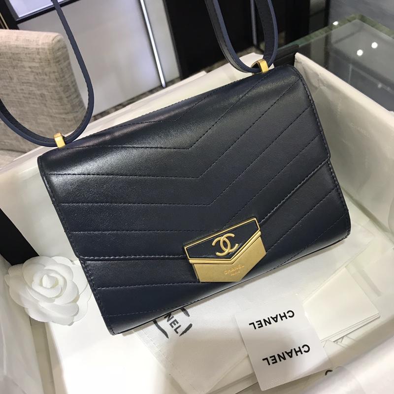 Chanel 新款 2018巴黎汉堡系列 进口牛皮 斜跨包 小号14x6x19cm 宝石蓝 现货