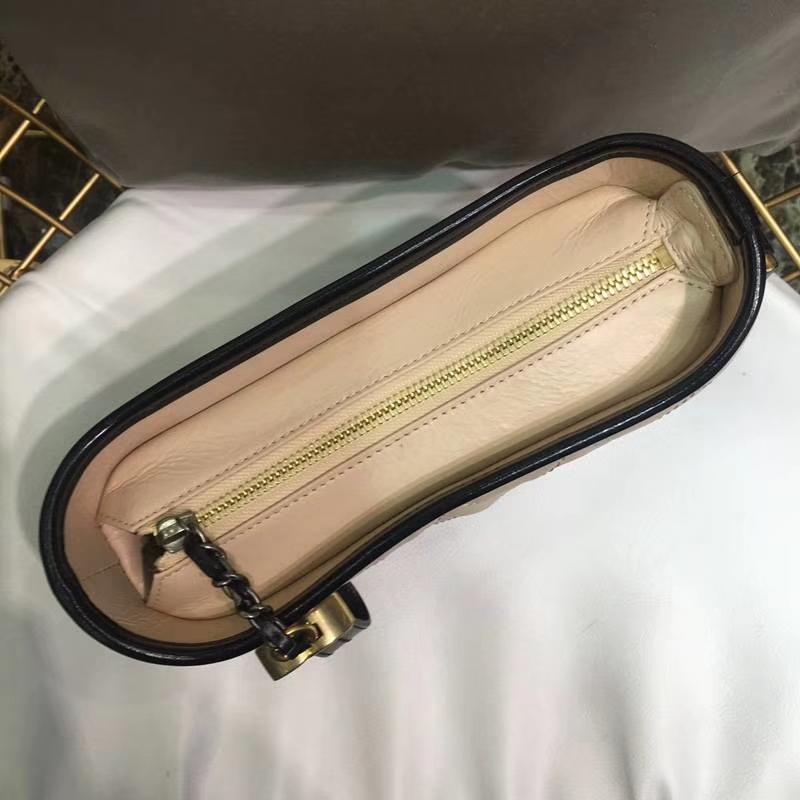 Chanel 香奈儿 小香流浪包 Gabrielle beige colour 20cm 浅杏色拼黑色