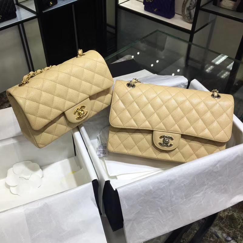 Chanel 香奈儿 Classic Flap Bag  进口鱼子酱 25cm 现货 杏色 银扣