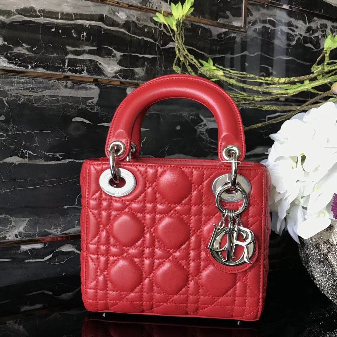 Dior 迪奥 小号 戴妃包 Lady Dior 17cm羊皮戴妃 现有颜色 正红色