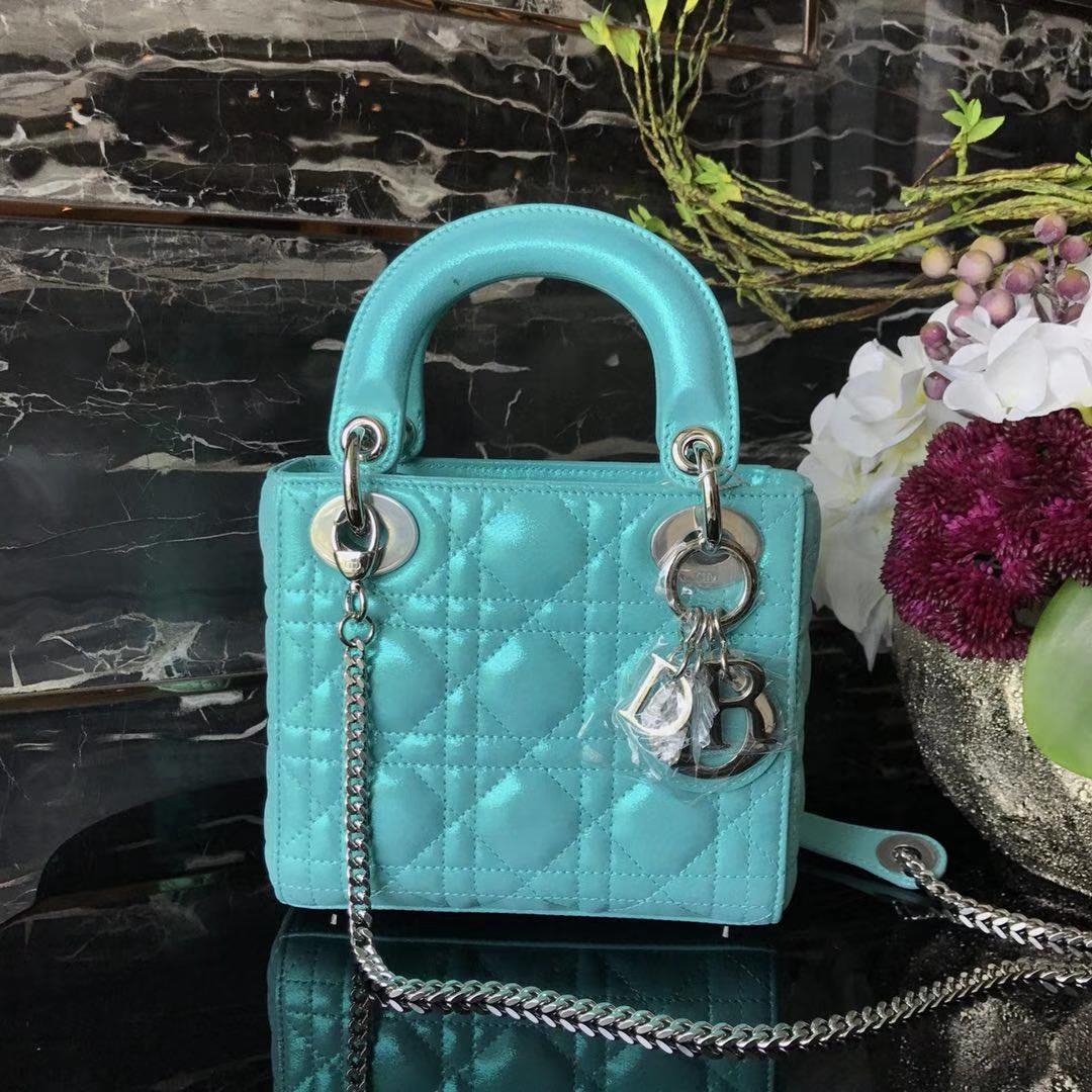 Dior 迪奥 小号 戴妃包 Lady Dior 17cm羊皮戴妃 现有颜色 湖水蓝