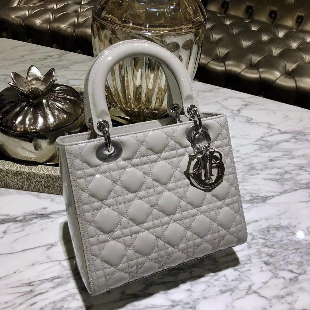 Dior 迪奥 经典牛皮 戴妃包 Lady Dior五格24cm 珍珠灰