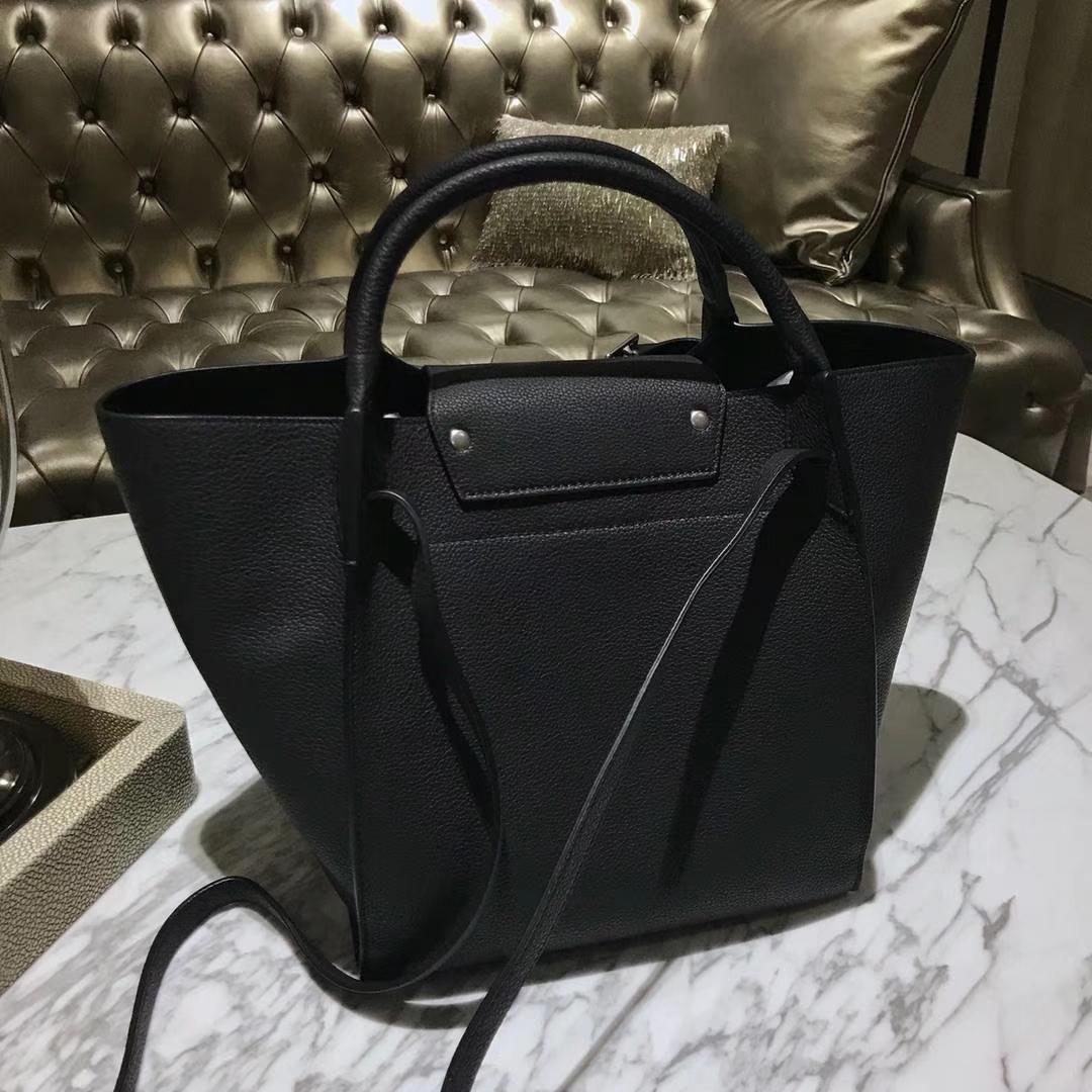 CÉLINE 购物袋 专柜同步发售 中号24cm 黑色 进口荔枝纹牛皮
