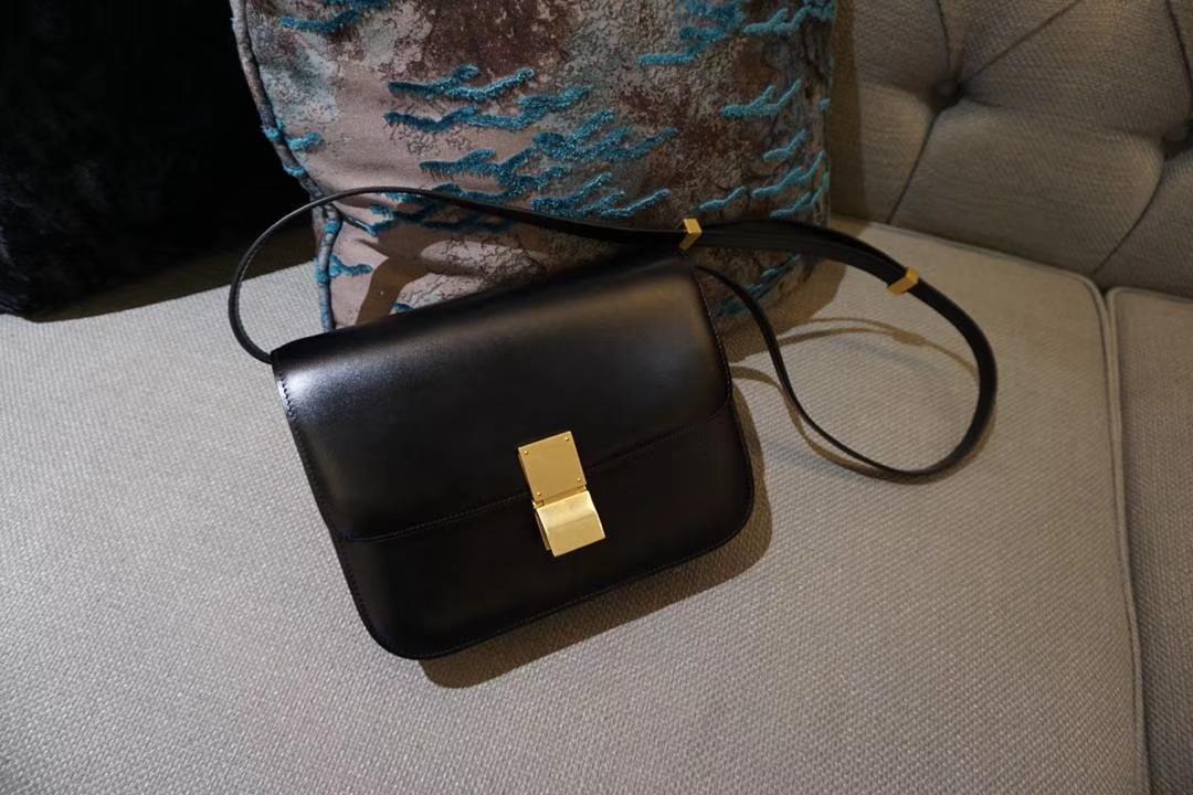 Celine 思琳 最新版本 box豆腐包 实拍 专柜同步 最新做法 优雅时尚 黑色 金扣 红色 金扣