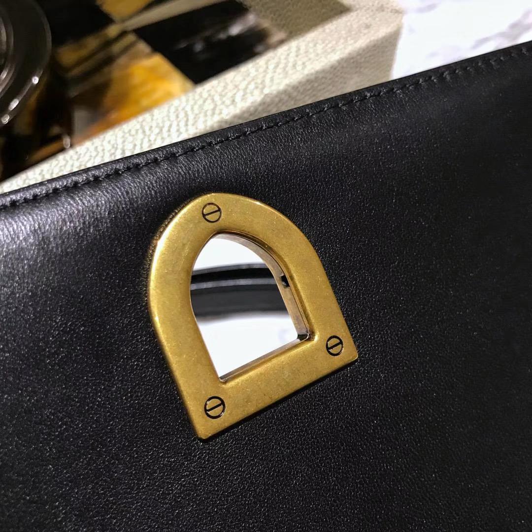新款来袭腾格牛皮铆钉包 21cm 黑色 少量到货 18K真金电镀五金