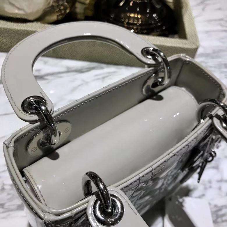 Dior 迪奥 戴妃包 Lady Dior 全新漆皮 格珍珠灰细节实拍