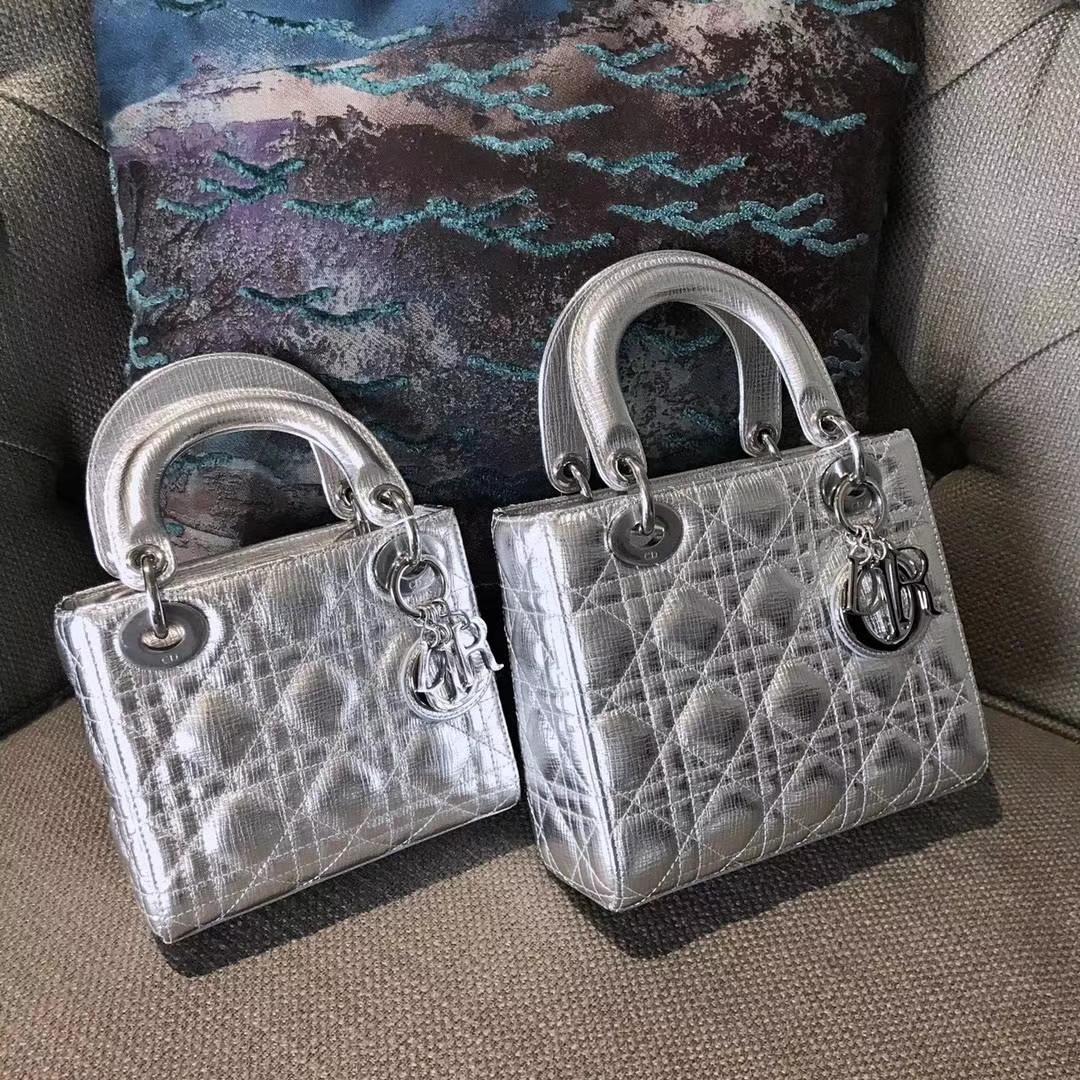 Dior 迪奥 Lady戴妃包牛皮大象纹金属银 翻盖式开口设计