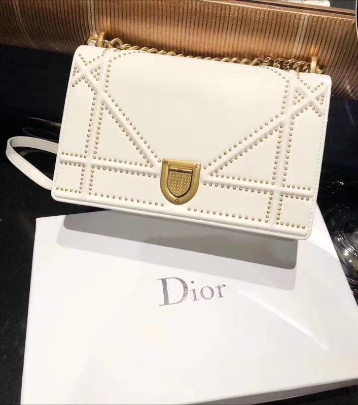 Dior 腾格 牛皮 DIORAMA 铆钉包 21cm 白色 少量出货