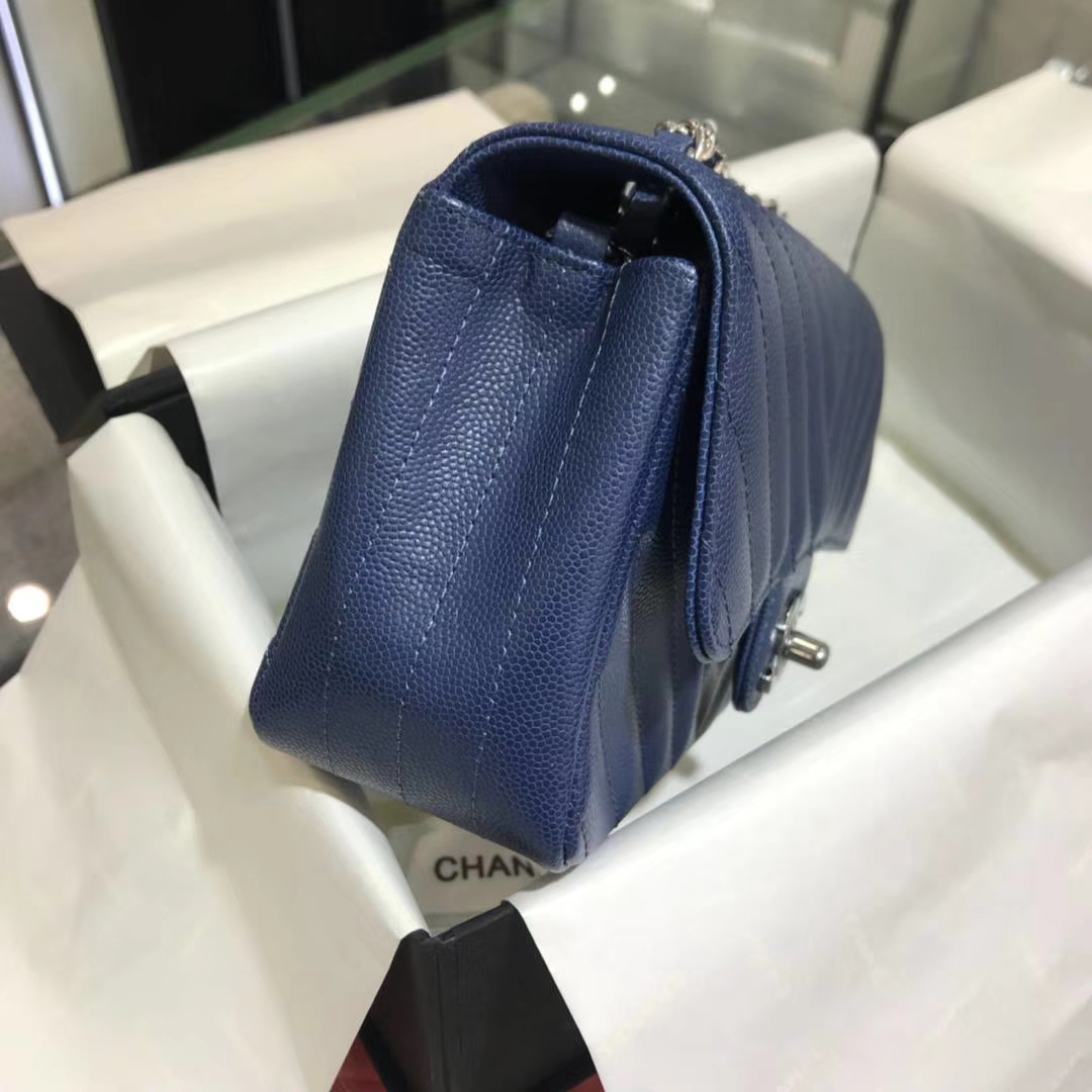 Chanel 香奈儿 V字绣 经典系列 小鱼子酱 海蓝色 20cm 银扣 现货