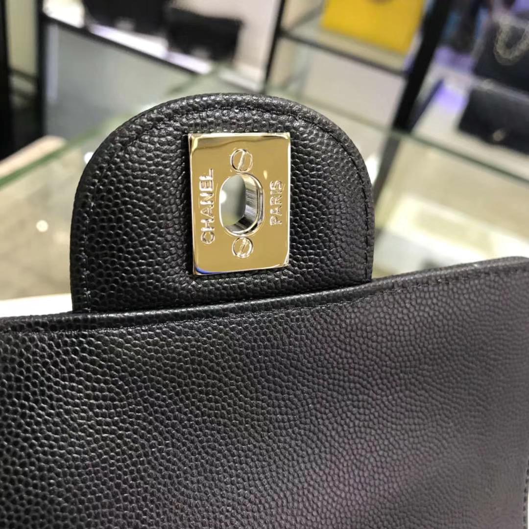 Chanel 香奈儿 V字绣小鱼子酱 黑色 17cm 银色 现货
