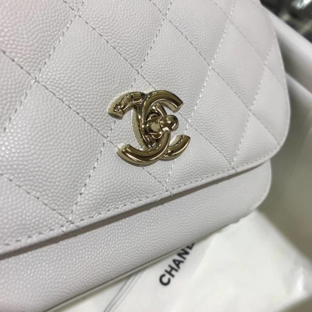 Chanel香奈儿 邮差包 20cm 纯白色 进口小鱼子酱 香槟五金 现货