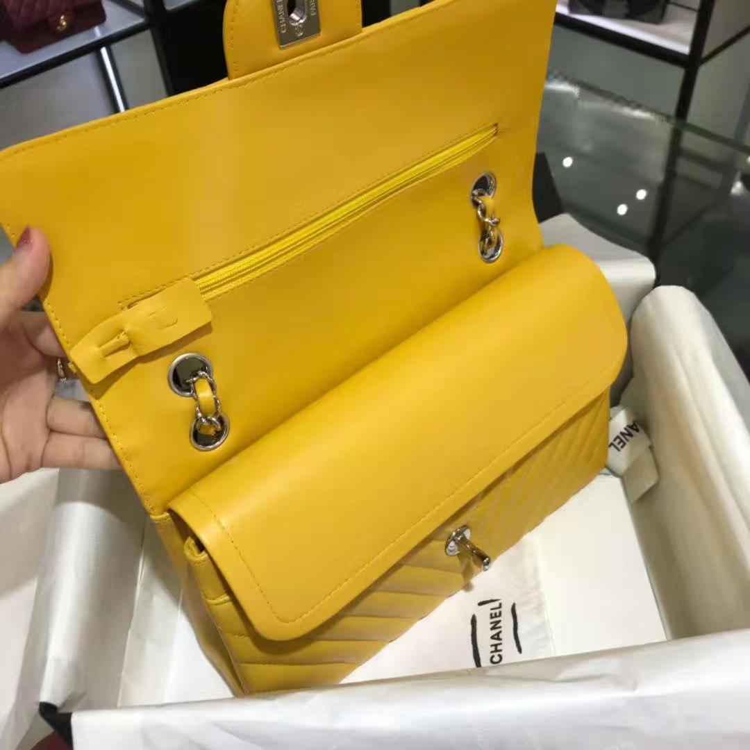 Chanel 香奈儿 V字绣系列 25cm 原厂皮小羊皮 芒果黄 客订出货