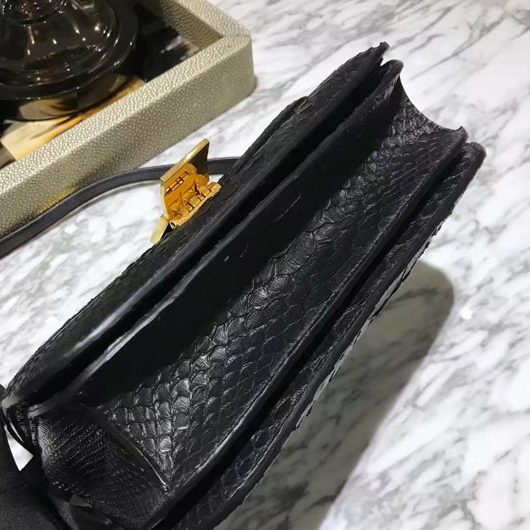 CÉLINE思琳 box印尼进口蟒蛇皮黑色