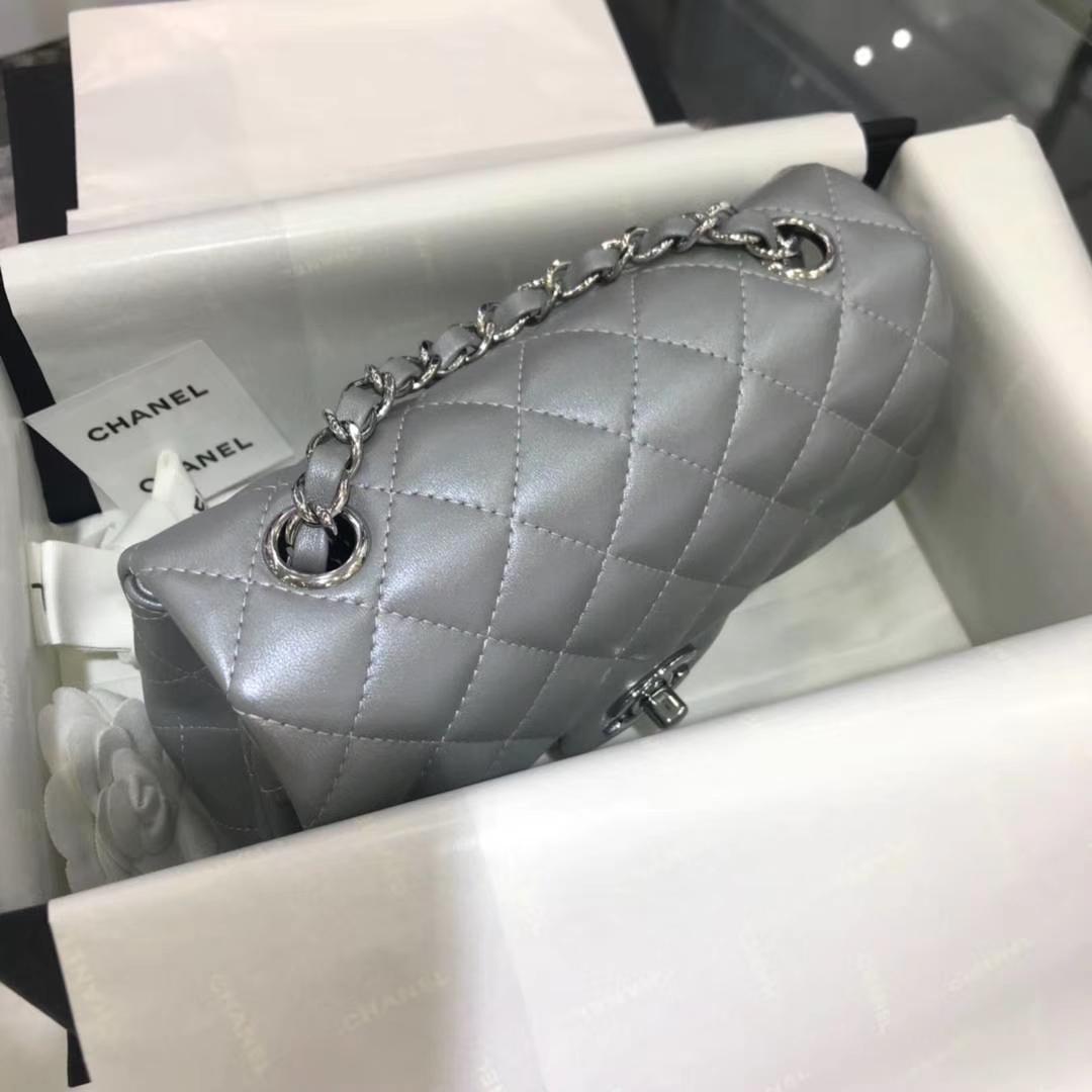Chanel 香奈儿 Cf系列 20cm 原厂皮小羊皮 银色 银扣