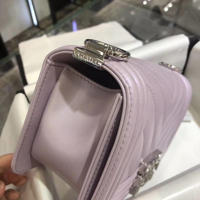 Chanel 香奈儿 Leboy Bag 大V款 小羊皮 20cm 珠光粉 理石纹琉璃彩扣