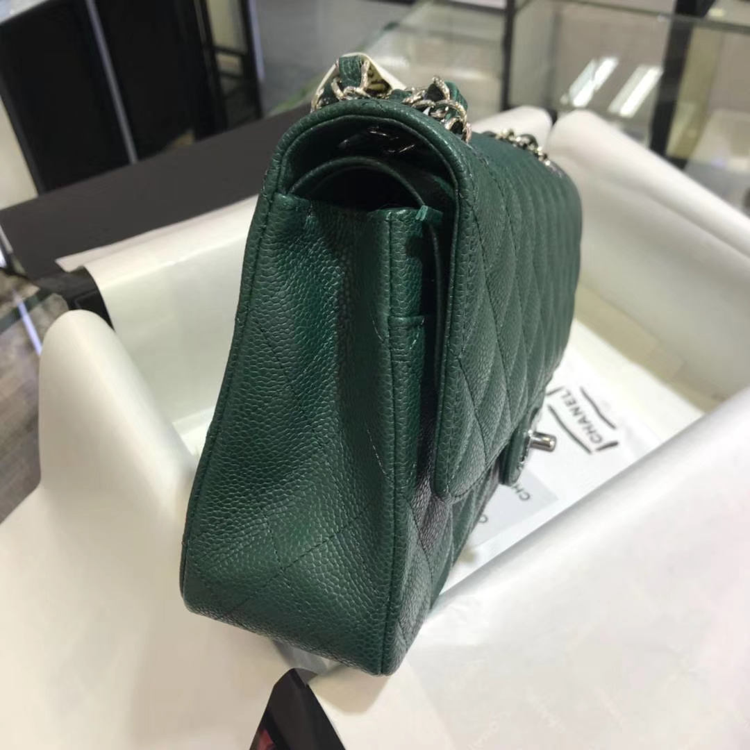 Chanel 香奈儿 Chanel Classic Flap 25cm 鱼子酱 翡翠绿 银扣