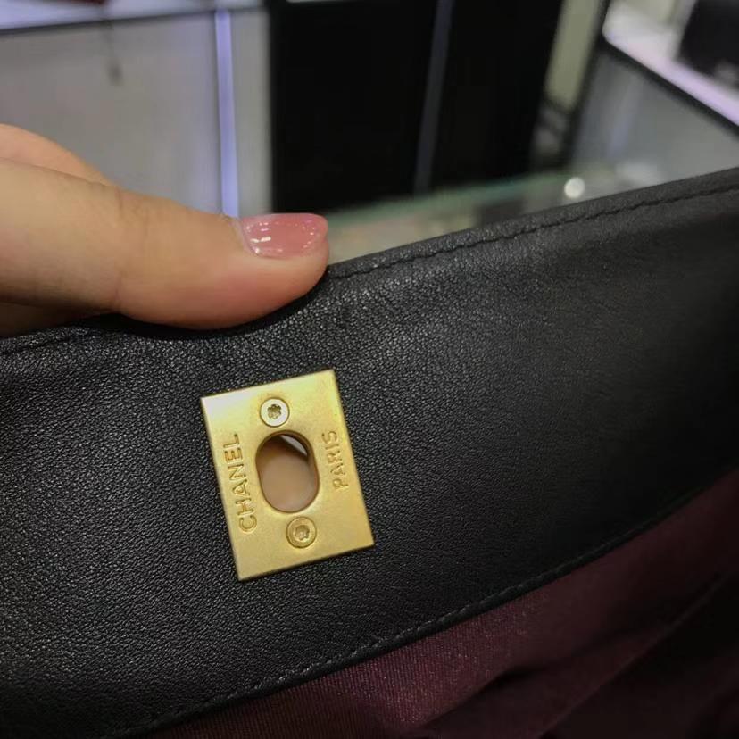香奈儿 Chanel 嬉皮包 18秋冬小牛皮 古金金属扣 专柜同步 意大利定制级进口小牛皮 黑配红