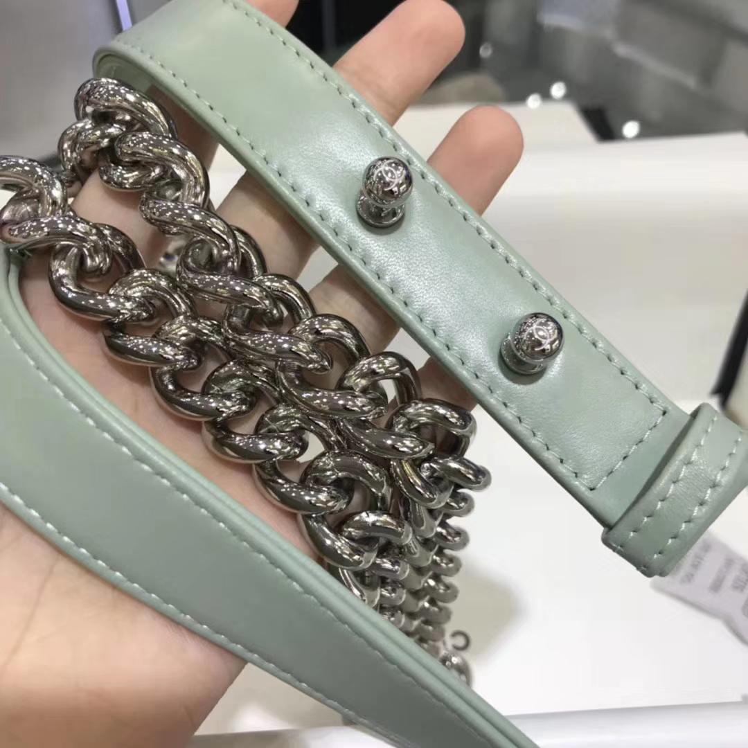 Chanel 香奈儿 leboy 进口小羊皮 V格款 抹茶绿 银扣 20cm