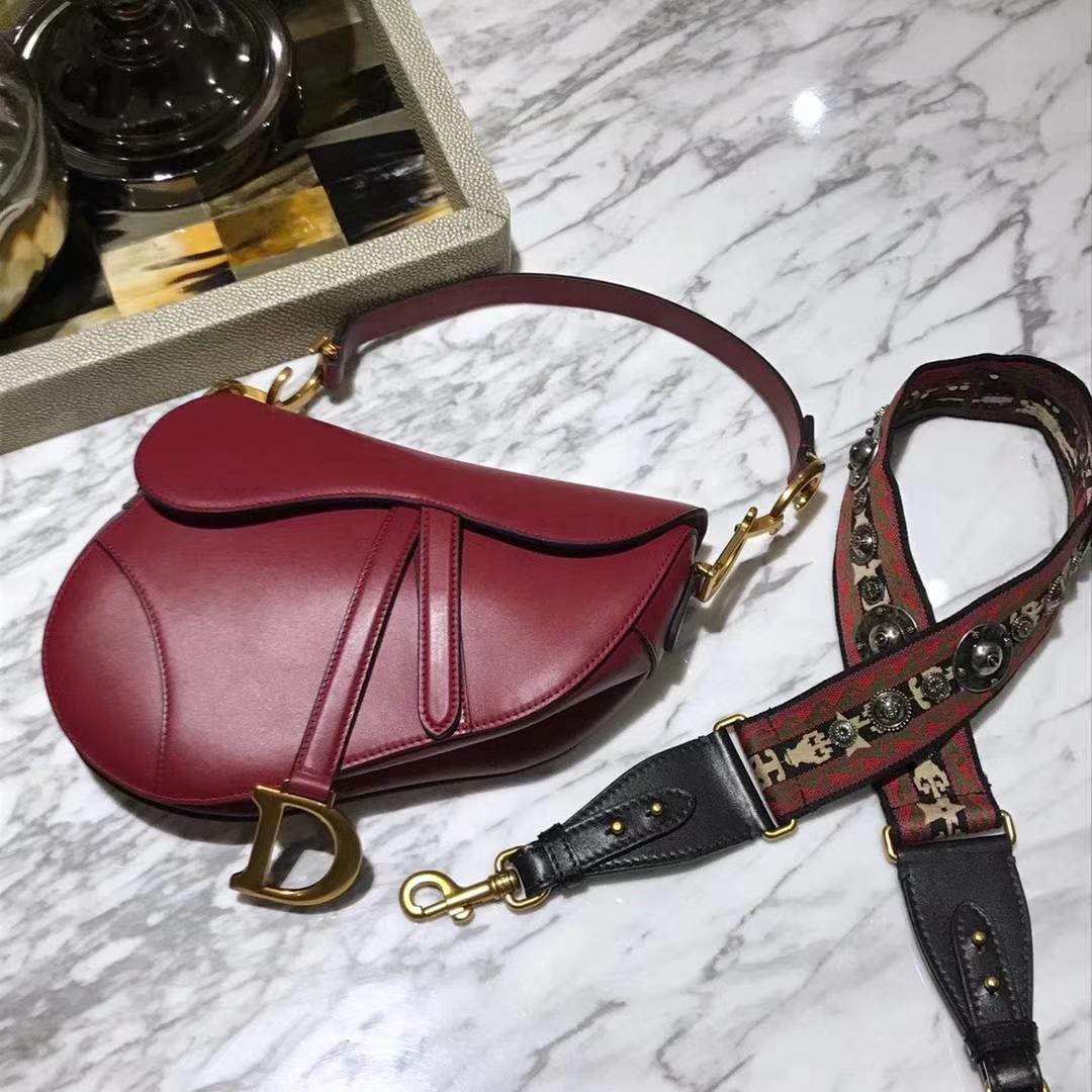 新Dior马鞍包  胎牛皮 红色 小号实拍 进口五金 头层皮