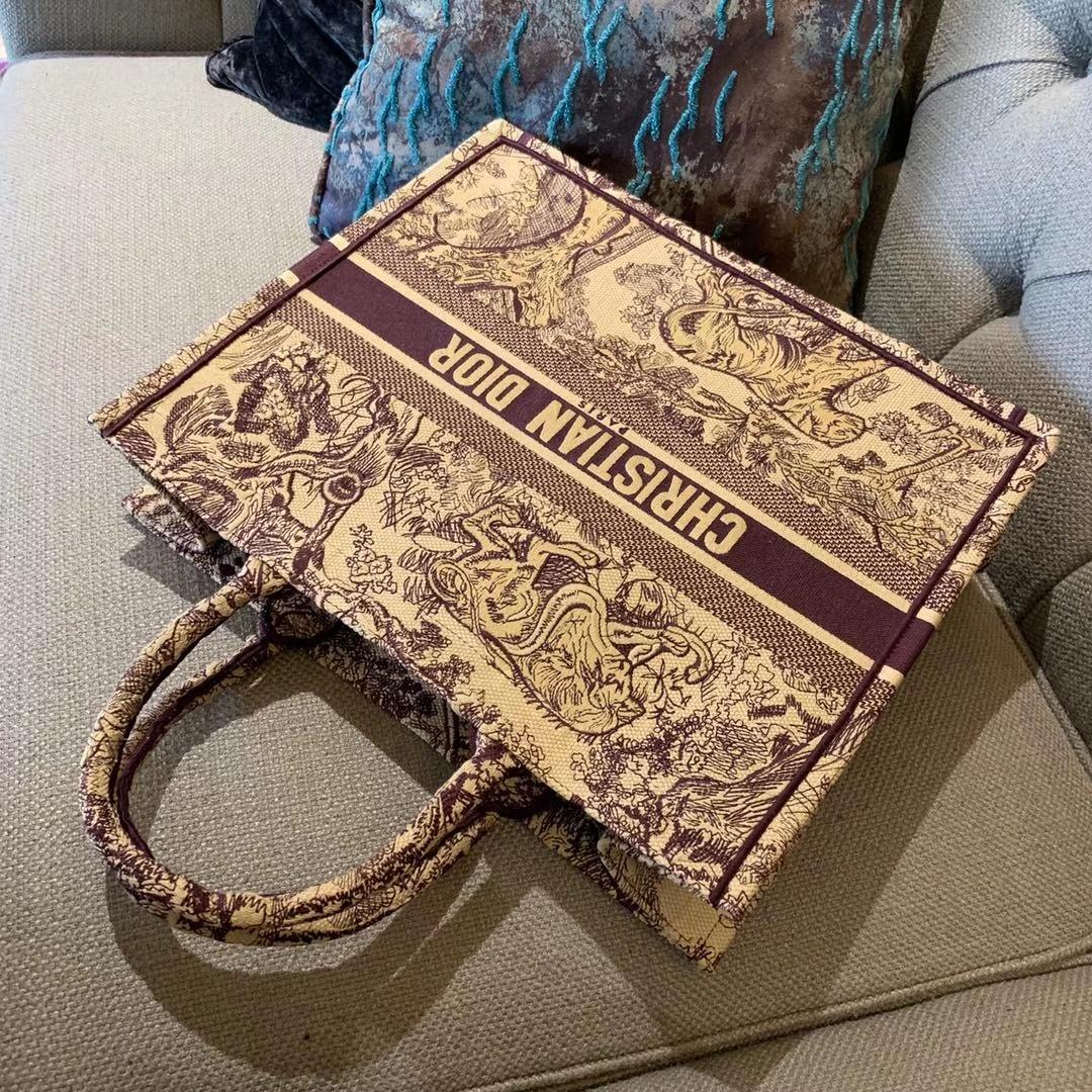 Dior Tote 购物袋 由时光淬炼而愈显光彩的包袋