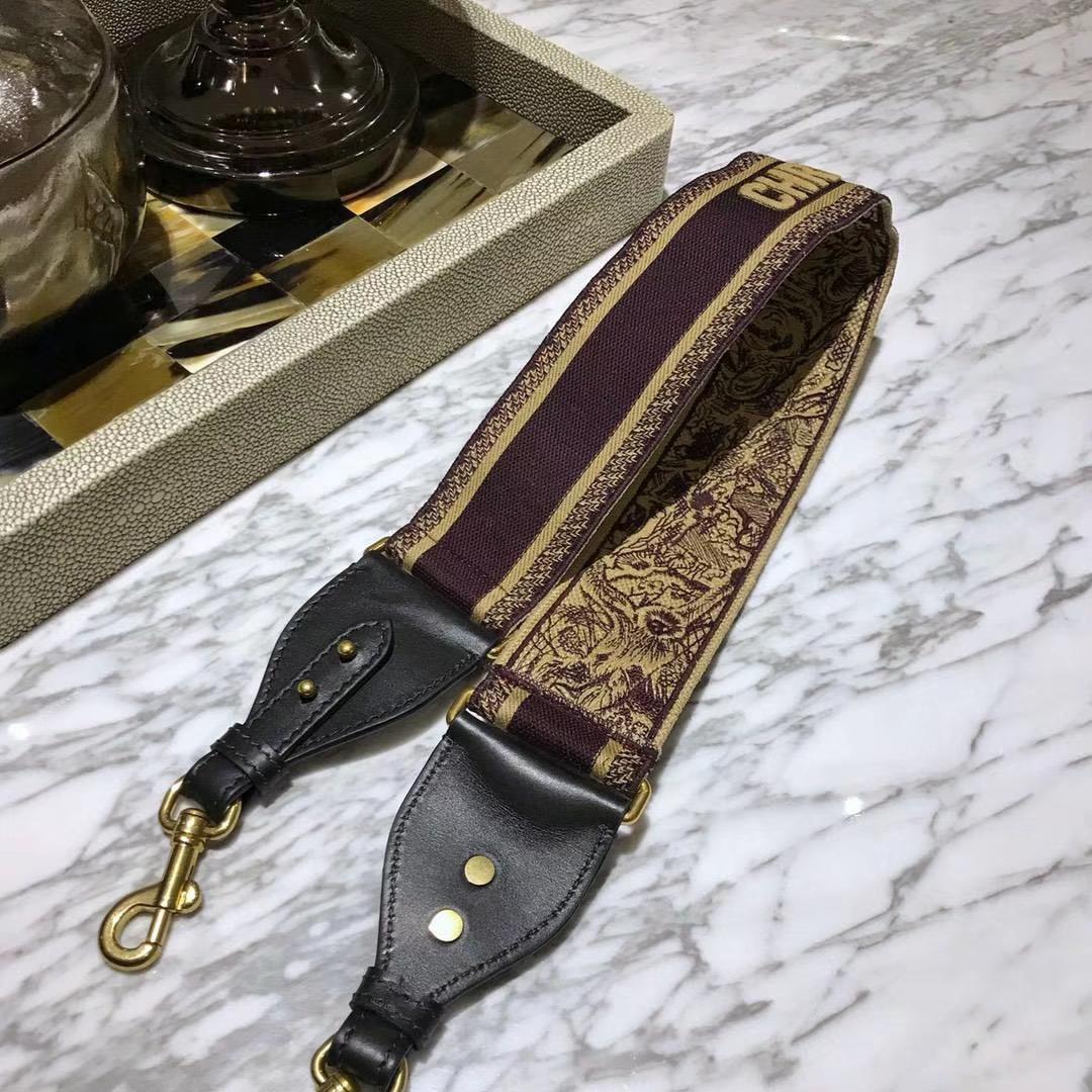 Dior 肩带 随意搭  洋溢名族风情 极富个性