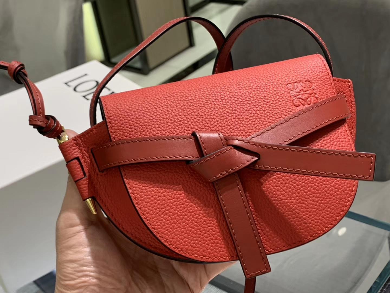 Loewe Gate系列 2019新色 斜挎小包 Mini号 大红