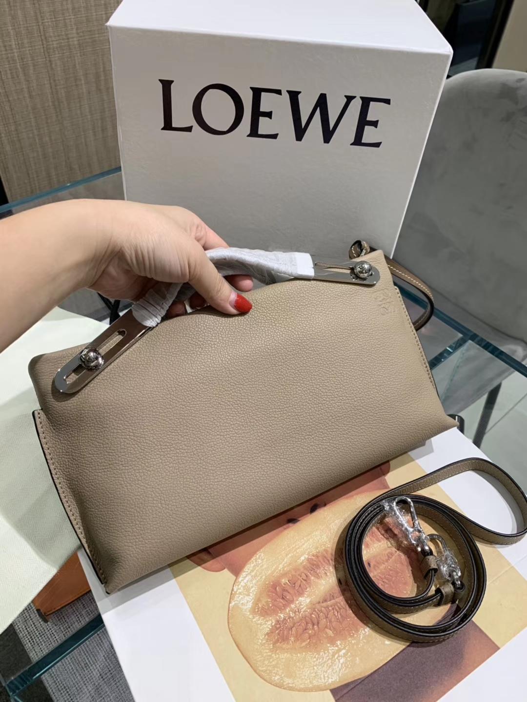 Loewe 罗意威 新款手柄 风衣灰 官网同步 原厂皮料五金制定
