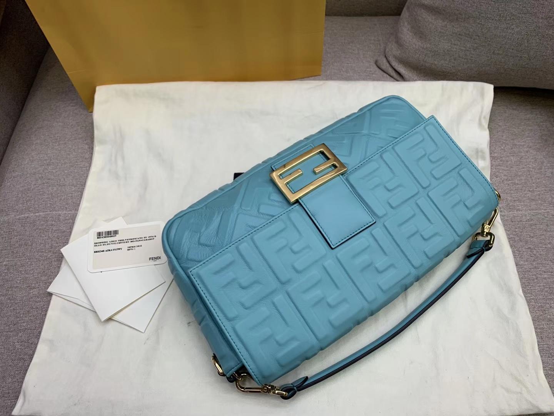 Fendi 芬迪 Baguette FF 浮雕系列 32x17x6cm 进口小羊皮 蓝色