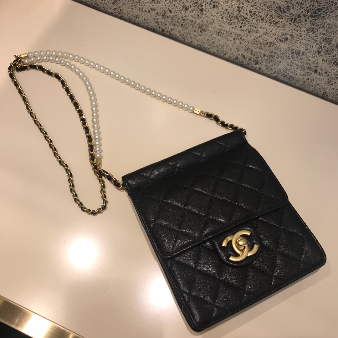Chanel 香奈儿 新款链条珍珠包小号 进口小羊皮 黑色 沙金