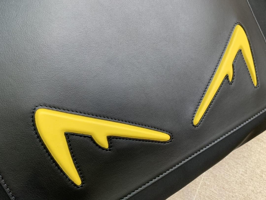 Fendi 芬迪 双手柄手提袋 黄色恶魔眼睛 男女可用 实用百搭款