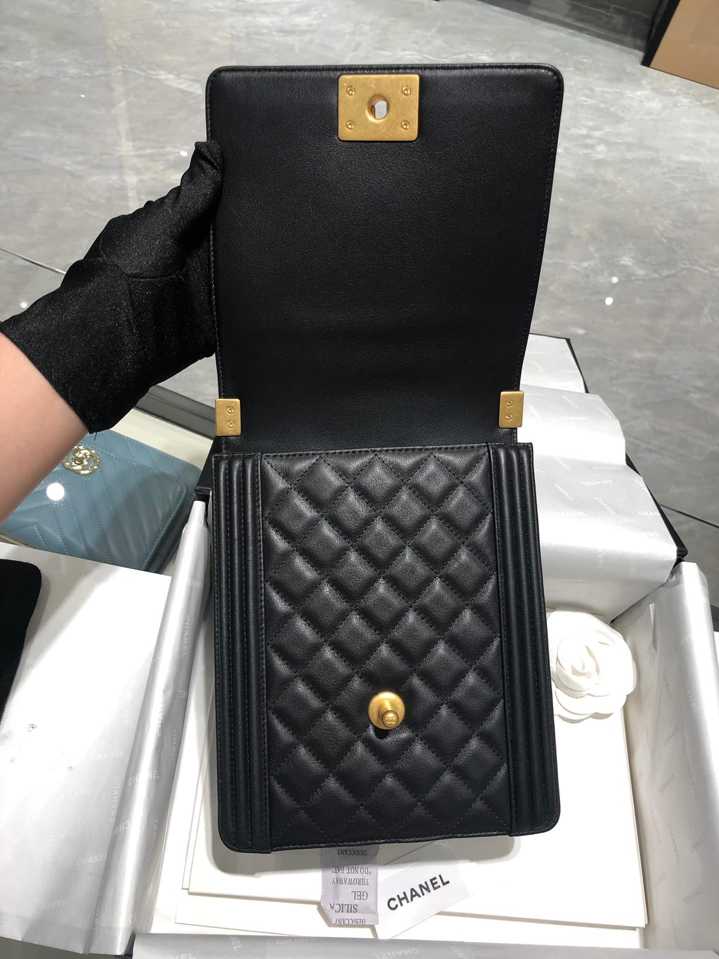 Chanel 走秀款竖版leboy原厂胎牛皮 磨砂金扣 顶级版本
