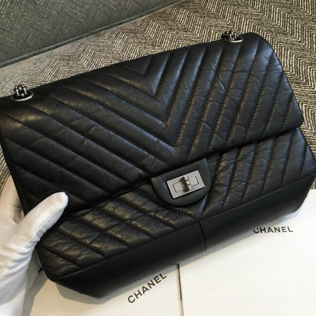 Chanel 香奈儿 复刻2.55 大V款 代购版本 28cm 进口树羔皮 黑色 银扣