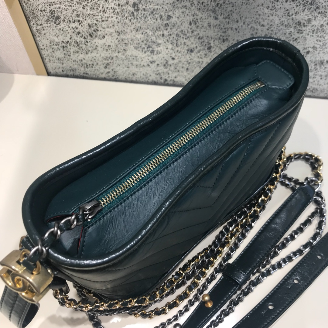 Chanel 香奈儿 Gabrielle 顶级代购版本 V纹 20cm~原厂树膏皮~墨绿色