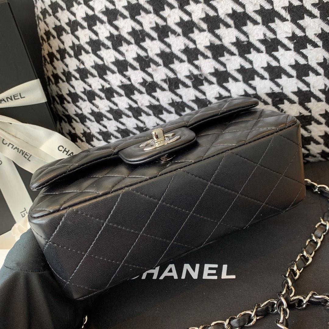 Chanel 香奈儿 【真品级】原厂《Classic Flap》代购版本20cm~原厂小羊皮~黑色~银扣