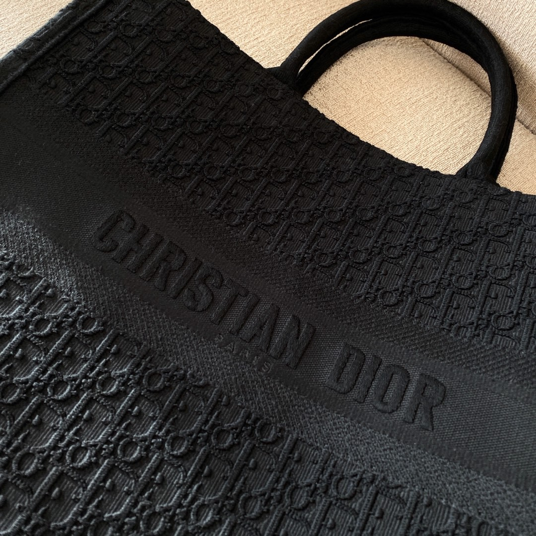 Dior 迪奥 全新~黑线花纹刺绣购物袋