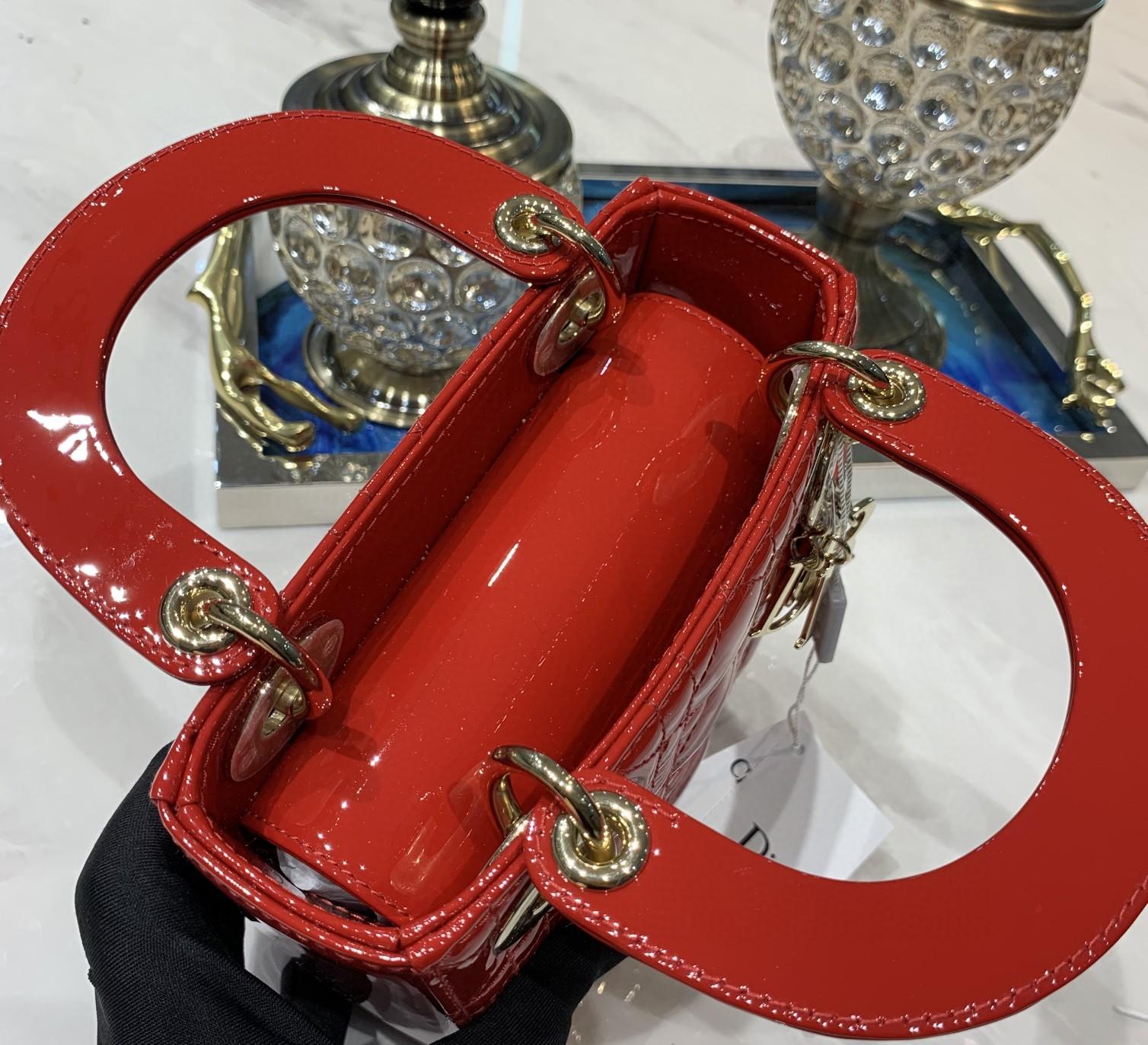 Lady 三格漆皮大红色金扣 Z柜最新出的大红 介于波尔多酒红和法拉利大红之间 实物超美 17cm