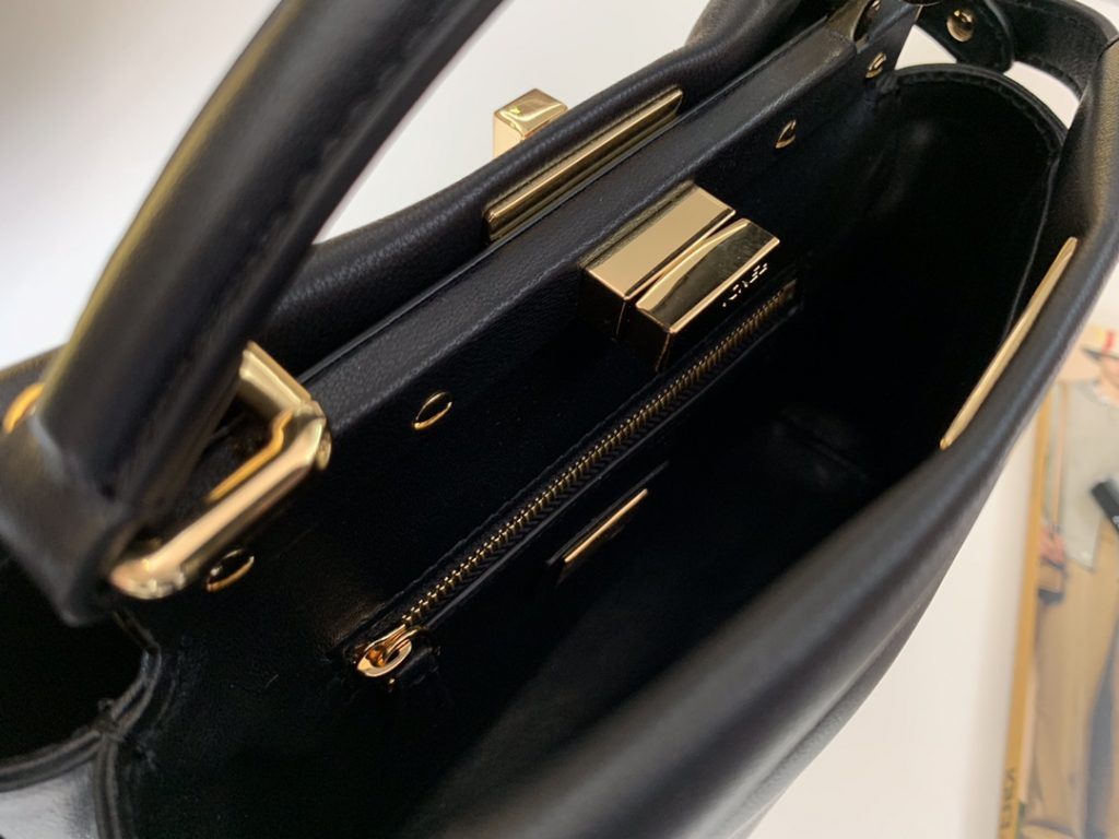 FENDI peekaboo mini  进口水染羊皮 24k金真空电镀  23cm 黑色 6802