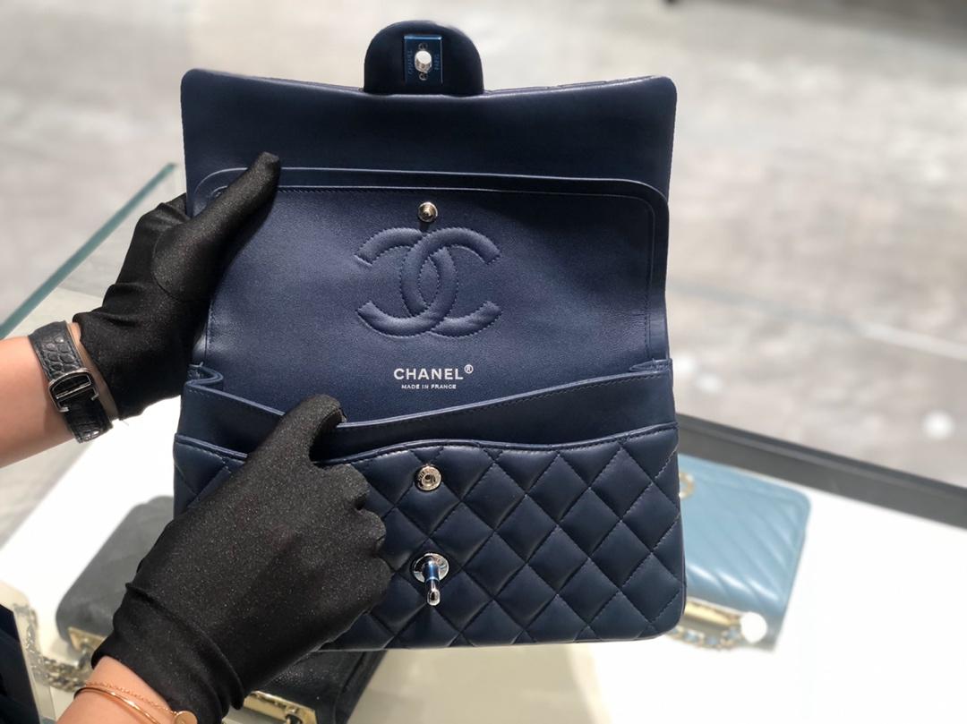 香奈儿香港官网【真品级】原厂《Classic Flap》代购版本 25cm~原厂小羊皮~宝蓝~银扣~