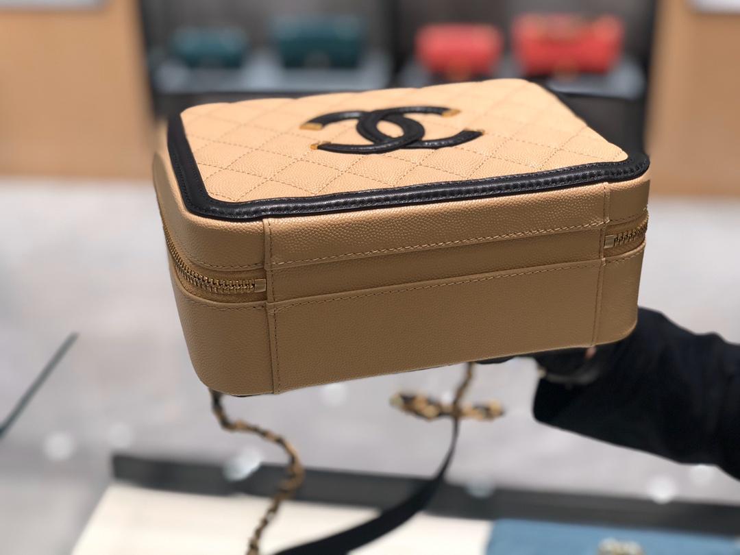 中国香奈儿官网《化妆包》21cm 原厂皮小鱼子酱杏色
