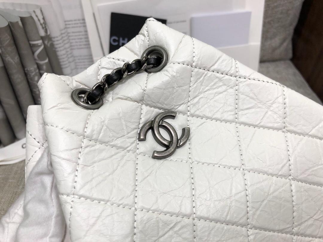 香奈儿女包批发《Gabrielle 背包款》代购版本树膏皮~白色拼黑色~原厂皮~只有少量现货