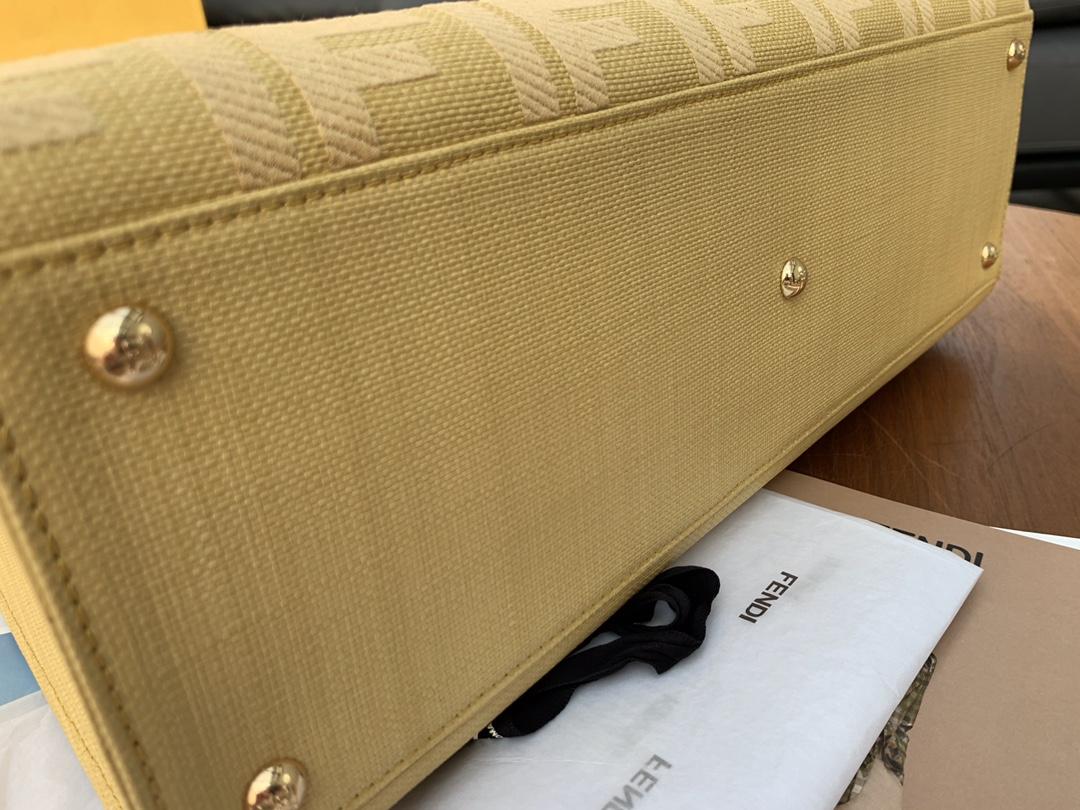 FENDI最新.经典 双F的经典压纹 41x30x16cm6801 复古手提包