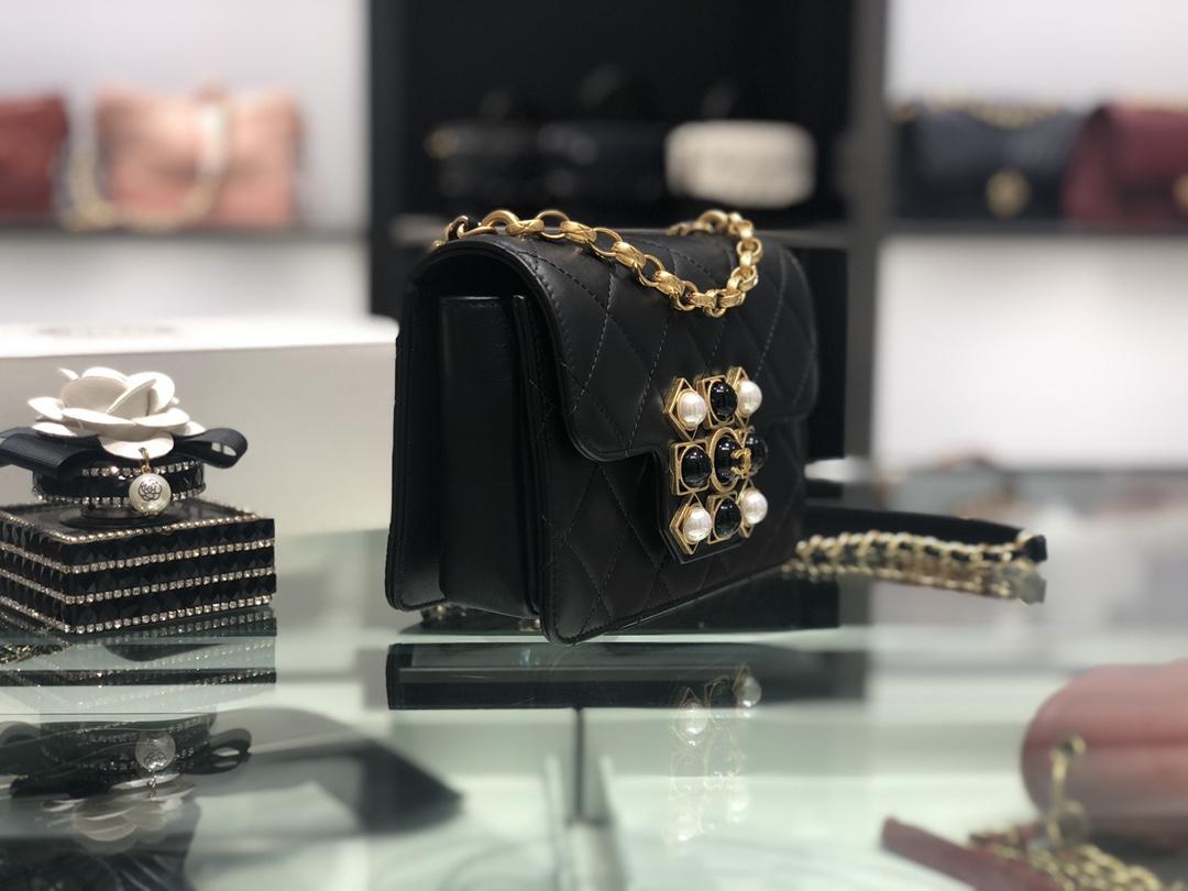 Chanel 香奈儿 Coco King Dom复古小方包口盖包,五金融入了宝石玛瑙元素