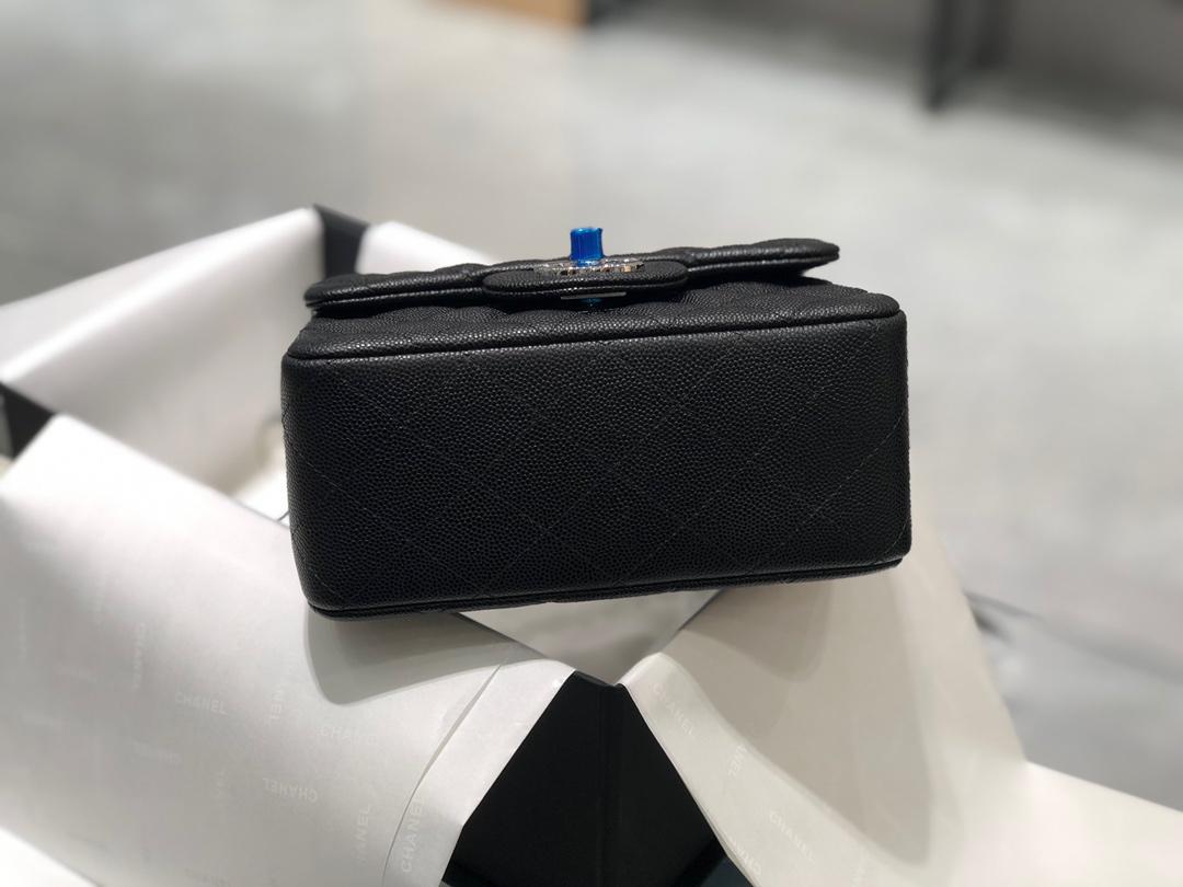 Chanel 香奈儿【真品级】~CF原厂球纹小鱼子酱牛皮 17cm~原厂皮~数量不多~黑色-银扣