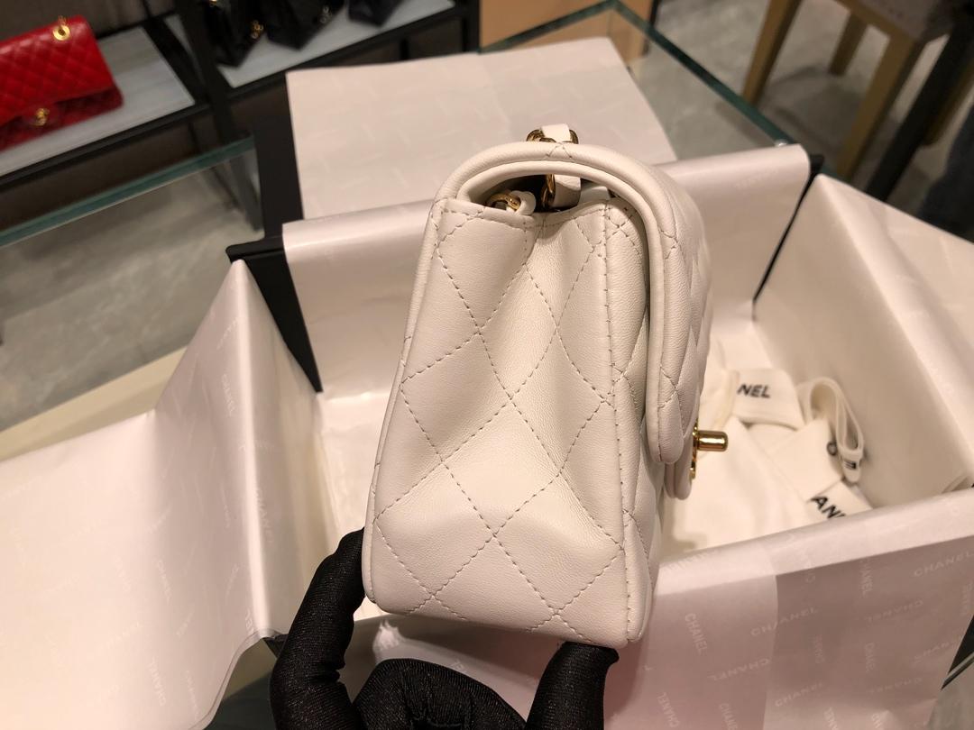 Chanel 香奈儿【真品级】原厂bodin joyeux 羔羊皮 方胖子 现货发售!~米白色~金扣
