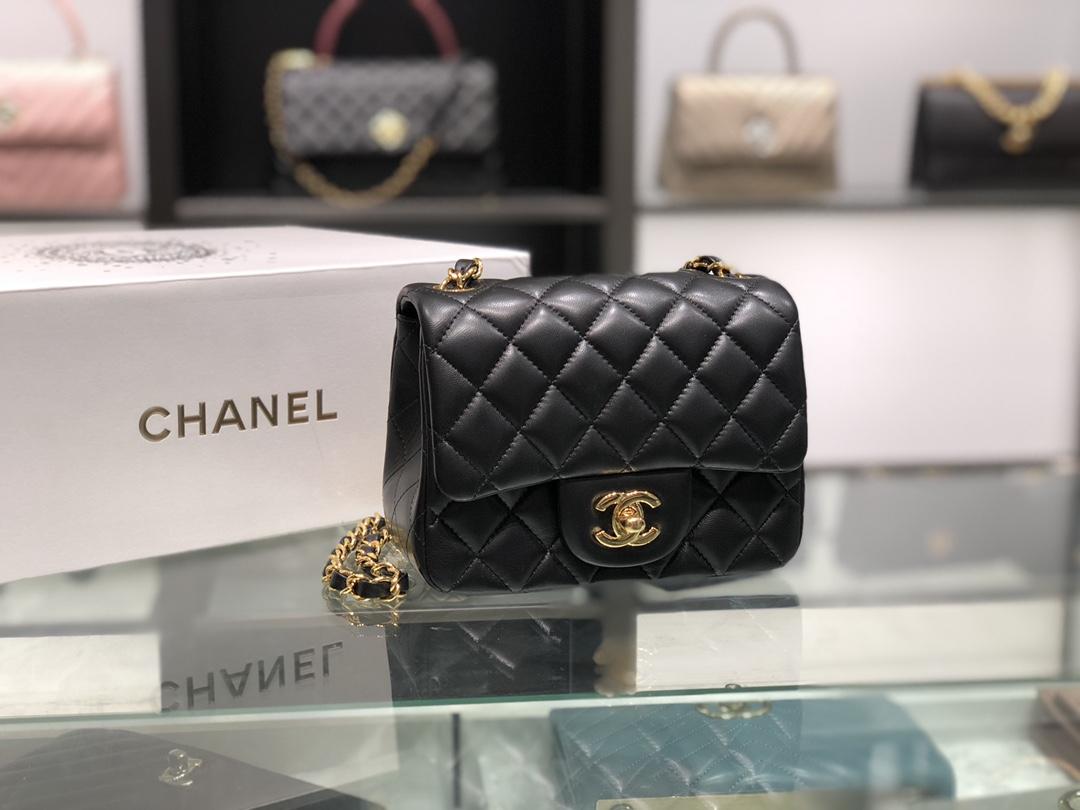 Chanel 香奈儿 Chanel Classic Flap 17cm 黑色 金扣