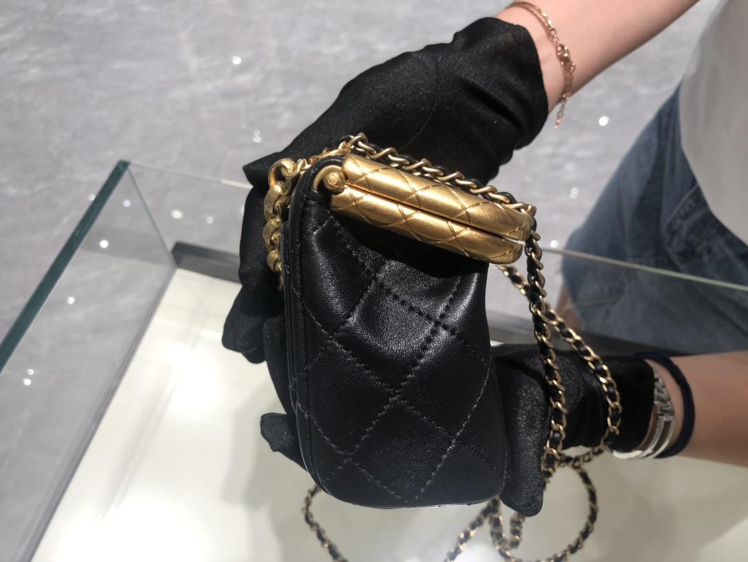 小香2020最走秀款夹子包 这款是小号 全铜做旧真金电镀五金设计 复古的高级质感,意大利ZP小羊皮 **Cm