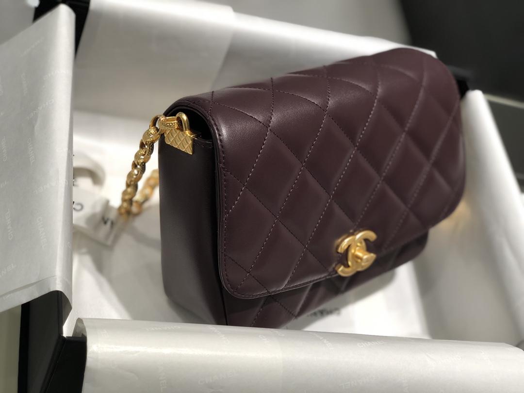2020新款复古金币链条口盖包 双面的雕刻设计 一面是coco女士手绘画像 另一面是Chanel的双C 大号 17*21*7*cm