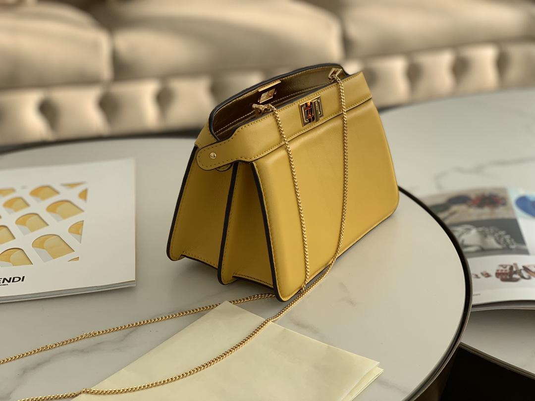 芬迪FENDI 最新 Iconic peekaboo ISeeU 手袋 日常通勤都可以用 21cm