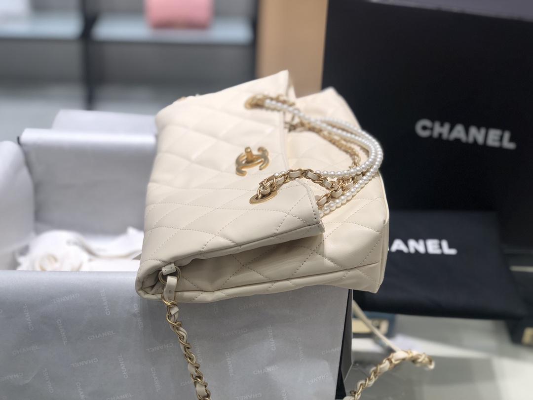 2021小香秋冬新款珍珠链条包购物袋 高级的百搭 可折叠手拿包手提单肩小挎包 原厂小牛皮一包三用34-26-5Cm 现货